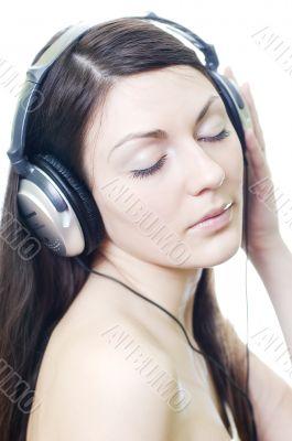 brunette listens relaxing music