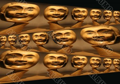 Many Wooded Faces