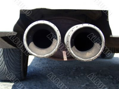 Double exhaust pipe of the tuning car