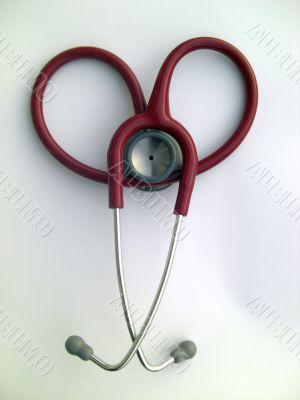 stethoscope noosed like a heart