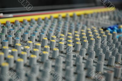 Handles of management of the board of the sound processor (mixer