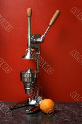 orange and manual (mechanical) squezeer