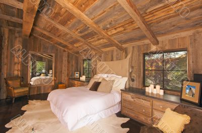 Luxurious Rustic Log Cabin Bedroom
