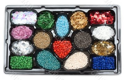 Colour beads in form