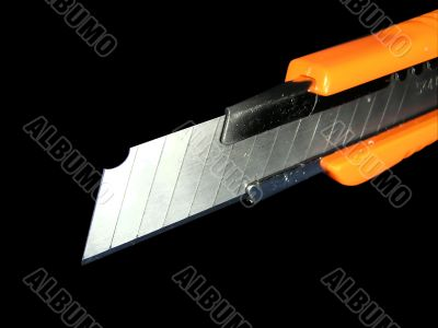 Knife for a paper
