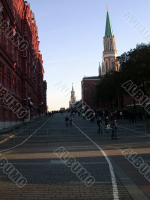 way to the moscow kremlin and mausoleum