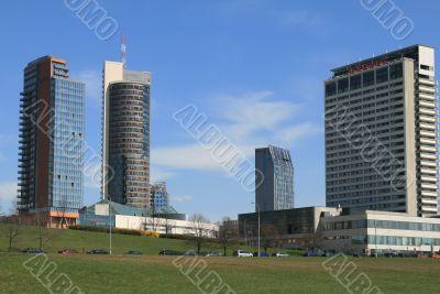 SKYSCRAPER BUILD1