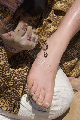 tatu, draw, hand, foot, leg