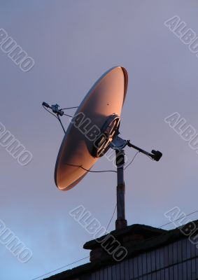 Home TV parabolic antenna