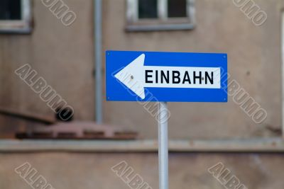 Einbahn | one way