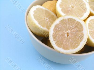 bowl of fresh lemons