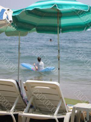 Rest on the sea beach