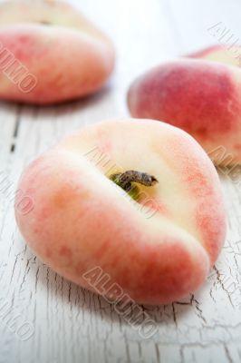 peach dough nut variety