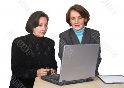 business female team with laptop