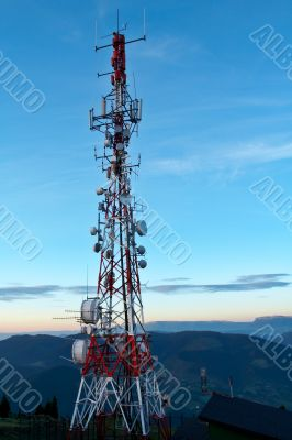 Telecommunications antennas