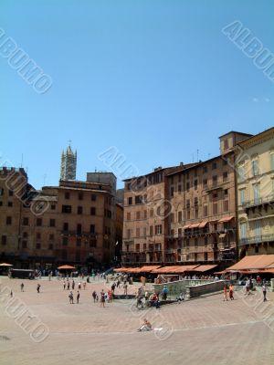 Sienna piazza vertical