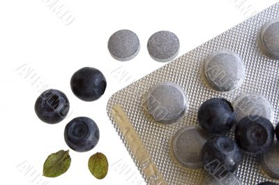 blueberries and vitamin supplement
