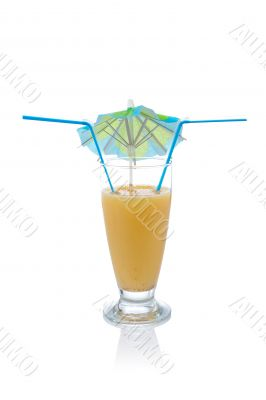 Vanilla milkshake with umbrella and straws