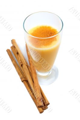 Vanilla milkshake and sticks of cinnamon