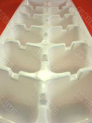 disposable ice tray
