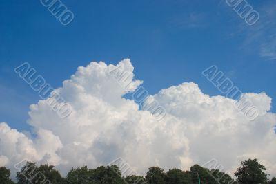 Heap clouds in blue sky