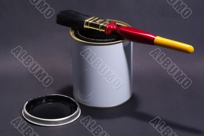 Blank White Paint Tin With Paintbrush and Lid 2