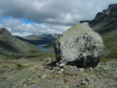 Stone similar to mountain.
