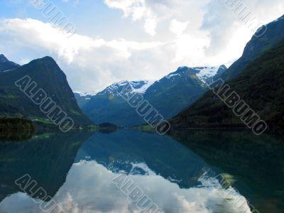 reflexion of mountains