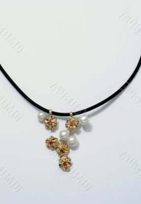 Golden necklace with pearls
