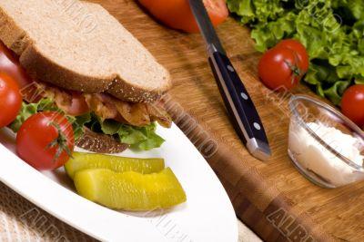 Bacon Lettuce and tomato sandwich 004