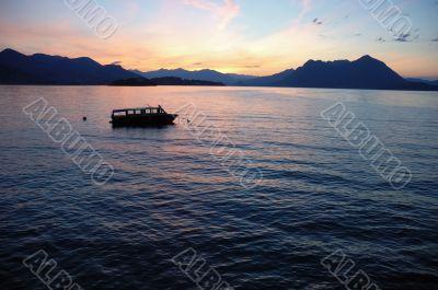 boat lake dawn