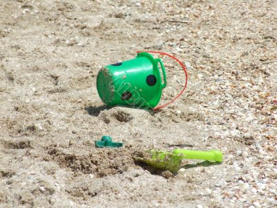 toy bucket and shovel, abandoned at the beach1