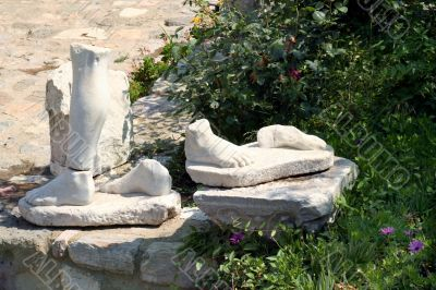 Old marble Foots