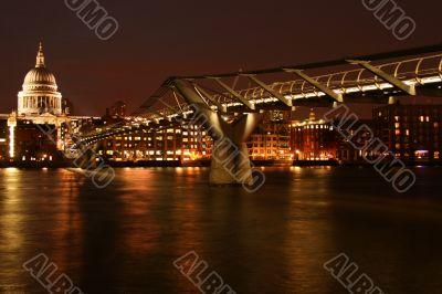 Night Millenium Bridge
