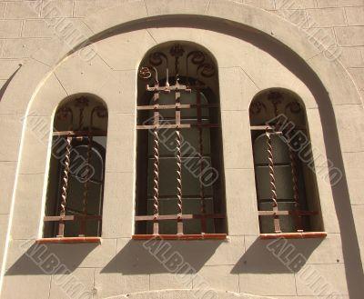 Windows with decorative lattices