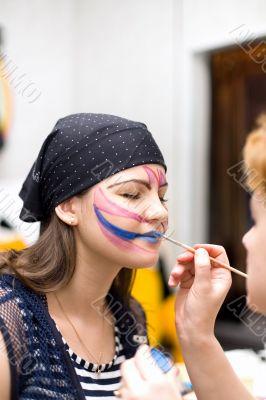 Preparing make up to actress before scene #4