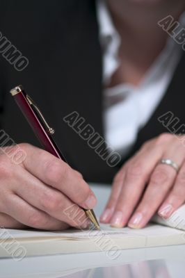 Writing a cheque 4