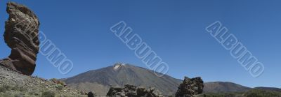 Spectacular view of Pico de Teide from caldera
