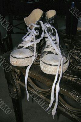 Black sneakers 01