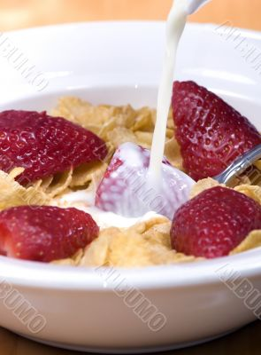 Cereal with strawberries 3