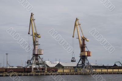 Container cranes 01