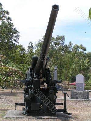 worldwar II anti-aircraft cannon