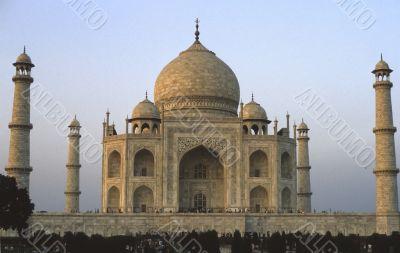 Taj Mahal glowing at dawn