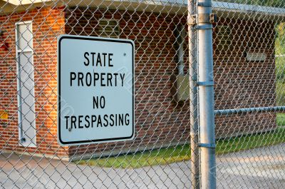 state property: no trespassing
