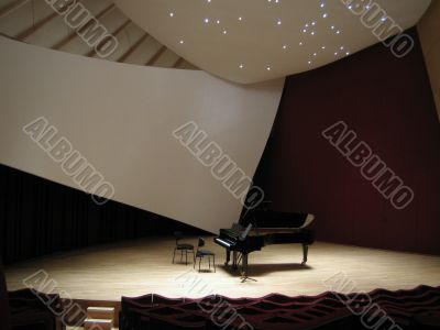 Piano on the empty stage