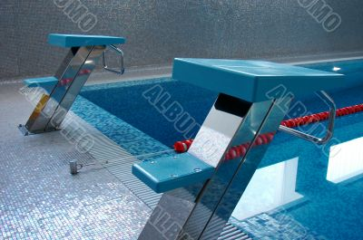 two swimming start places