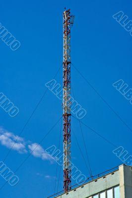 Cellular operator antenna