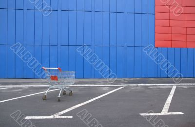 The lonely trading hand cart