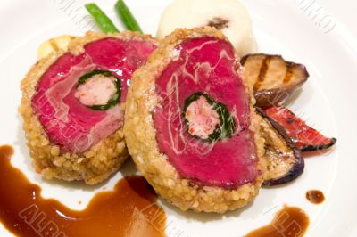Beef fillet with chicken mouseline