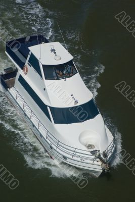 View af a large cabin cruiser from above